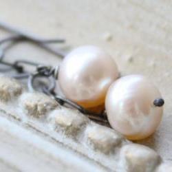 freshwater pink pearl earrings oxidized sterling silver modern classics pastel wedding jewelry
